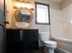 small-cottage-bathroom